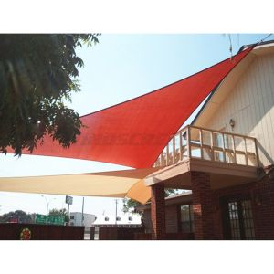 Real Scene Effect of 180GSM PE-Permeable No Grommet Curved Right Triangle Sun Shade Sail