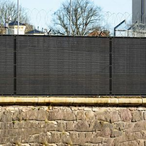 Real Scene Effect of 250GSM Vinyl Black Privacy Fence Screen