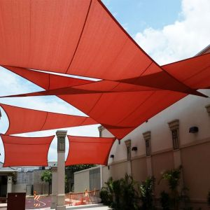 Real Scene Effect of 220GSM Vinyl-Waterproof No Grommet Curved Triangle Sun Shade Sail
